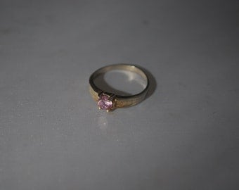 Sterling silver ring size 7.25 with pink amethyst.