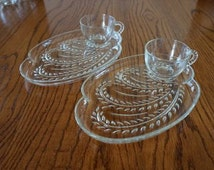 Vintage Federal Glass Hospitality Snack Set Homestead Wheat Pattern Set of 2 Hors D'oeuvres Serving Set Wedding Serving Oval Snack Set