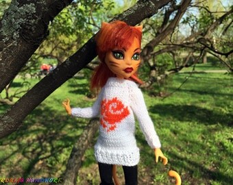 Hand-knitted White + Orange Sweater with rose for MH girls. Monster High doll clothes. Knitting for 12 inch dolls