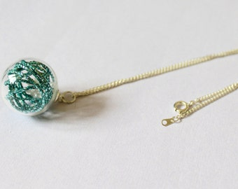 Blue, pearl globe necklace