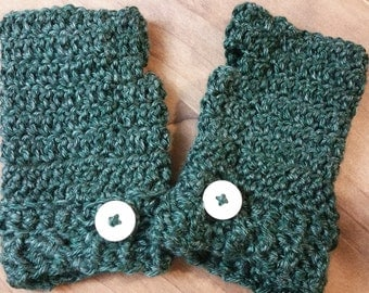 Gloves and Buttons in Green