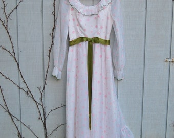 1960s sweet rosette gown with green ribbon