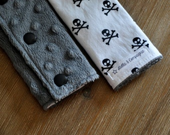 Baby Car Seat Strap Covers - B&W Skulls