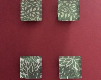 Green and White Leaf Magnets
