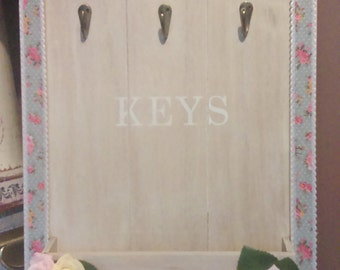 Shabby Chic , Wall Hanging Key & Post Wooden Plaque