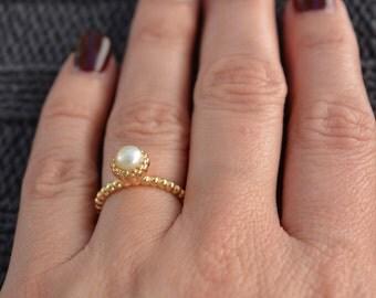 Mother pearl ring. Beautiful and elegant bead design mother of pearl ring. Sterling silver mother pearl ring. June birthstone ring.