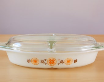 Vintage pyrex town and country divided 1 1/2 quart casserole dish