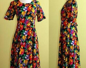 D.M.K Design Magic Kingdom 80s Floral calf-length Dress, Size 6