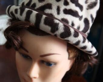 Round hat or fedora leopard vintage year 1960