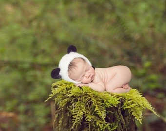 panda bonnet / panda hat/ bear hat/ bear bonnet/ teddy bear hat/ animal hat/ baby shower gift, newborn panda, photography prop