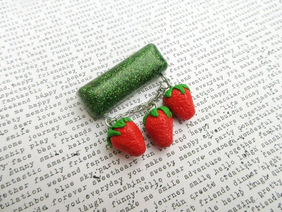 New 1940s Costume Jewelry: Necklaces, Earrings, Pins Strawberry Brooch Green Glitter Brooch 1940s Style Brooch Lucite Strawberry Brooch Resin Jewelry Rockabilly Jewellery Pin Up Jewelry $18.80 AT vintagedancer.com