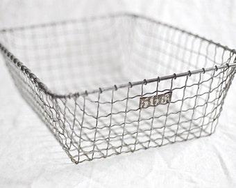 Large Wire Locker Basket No. 565