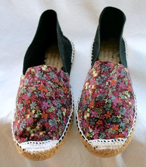 Alpargatas negras de flores / Espardenyes / zapatillas de esparto / zapatos / zapatillas para niñas