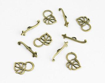 Antique Brass Leaf Toggle Clasp - 5 Sets
