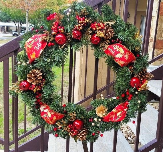 Christmas Wreath / Holiday Wreath / Christmas Decor / Red & Gold Wreath / Holiday Decor / Christmas Decoration