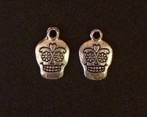5 Antique Silver Sugar Skull Charms | Skull Charms | Antique Silver | Day Of The Dead | Halloween Charms | Jewellery Supply