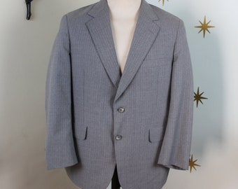CLEARANCE! Vintage 1950s light gray pinstripe suit jacket large 386