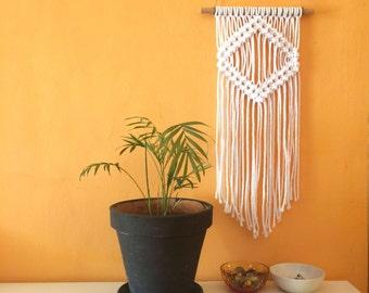 PROMO PRICE !!! Small Macrame Wall hanging.Listo to send! small and simple macramé wall hanging. Macrame decoration modern rug.