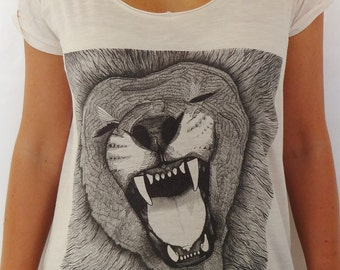Organic lion roar graphic t-shirt for women - vintage white