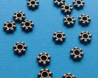 30 Spacer Beads 6mm Daisy Bronze - F2346