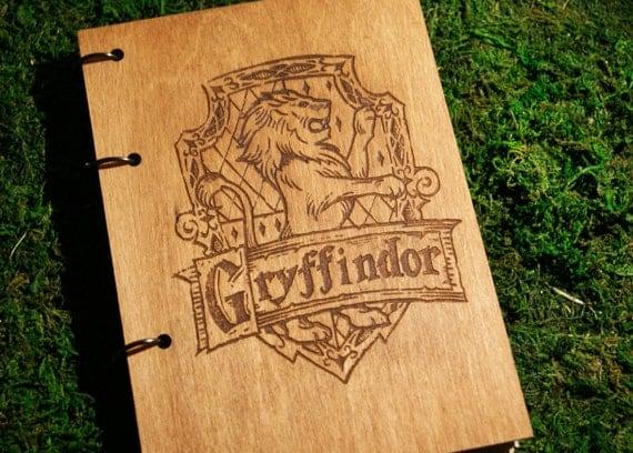 Harry Potter Gryffindor crest (logo) refillable wooden notebook / sketchbook // travelbook (personalisation available)