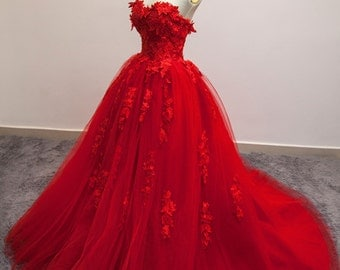 Red Lace Strapless Wedding Gown