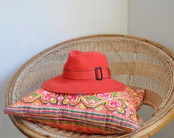 Felt Hat, Coral Pink Wool Vintage Fedora 1960s, Sixties Retro Bohemian Sunhat