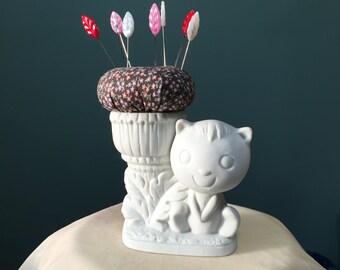 Ceramic Cartoon Cat Pincushion