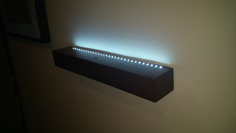 floating shelf with battery powered led lights no wires. Black Bedroom Furniture Sets. Home Design Ideas