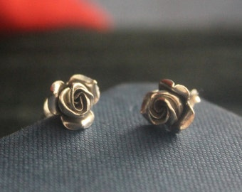 Ethnic flower earrings Silver Rose stud earrings Thai Karen hill tribe silver earrings