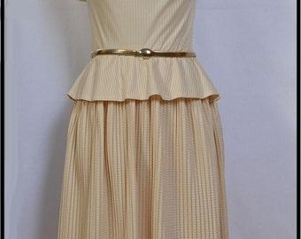 Party dress//Cocktail dress//Cream dress//White dress//pleated dress//flounce dress//Romantic dress//Vestido//Kleid//Robe//Klänning//ドレス