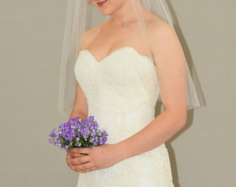 "Plain 30"" Elbow Length Wedding Veil with Cut Edge"