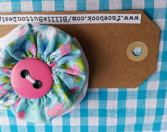 Flower Power, button double layered hair clip.  Grosgrain covered alligator clip with gorgeous flower button detail.
