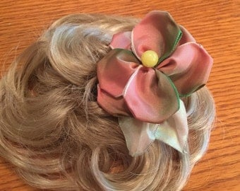 Pale Pink Single Form Rose Hair Comb