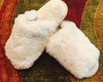 Womens wool slippers, Merino wool slippers, Open toes slippers, Sheepskin slippers, Womens fur slippers, Fluffy home shoes, Lambs slippers