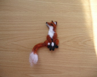 Fox Brooch,Felted Fox,Brooch,Fox,Needle felted fox,Wildlife,Woodland,Animal