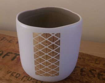 Tealight holder with intricate decal