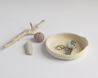 Small shallow dish, rope basket, white, storage basket, rope bowl, cotton, storage, gift idea, housewarming, key bowl, jewellery bowl