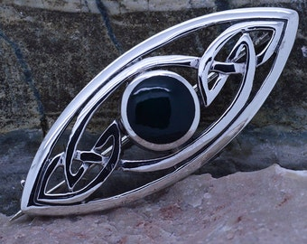 Handmade Sterling Silver Celtic filigree Brooch Pin with dark Green Agate