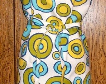 Apron Cotton Mill Creek Fabric full size Blue, Yellow, Tan on white, one pocket Adjustable neck loop washable