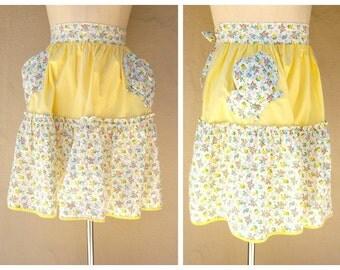 40s 50s hostess apron / yellow floral half apron / tea cup pockets