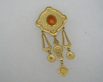 Pretty large Retro  Ornate Gold tone & Orange Stone Pin Brooch