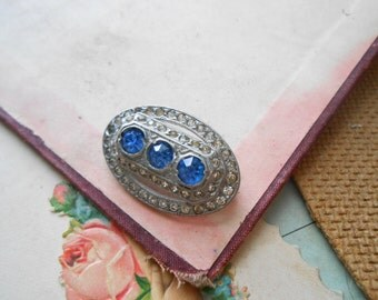 art deco blue rhinestone oval pot metal brooch c clasp - as is repurpose jewelry