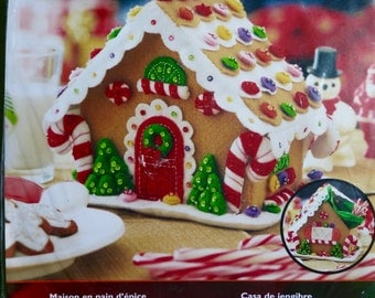 Plaid Bucilla Felt Home Decor, Gingerbread House