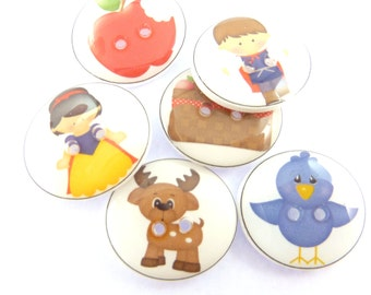 """6 Snow White Buttons. Children's Buttons.  Fairy Tale Buttons.  Princess Buttons for Crafting  3/4"""" or 20 mm Round"""