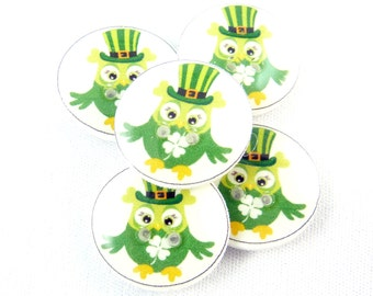 "ST. PATRICK'S DAY Buttons. 5 Green Owl Novelty Buttons. 3/4"" or 20 mm.  Craft Sewing Buttons.  Novelty Buttons."