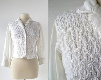 Vintage 1950s Blouse / Embroidered Blouse / White Blouse / Small S