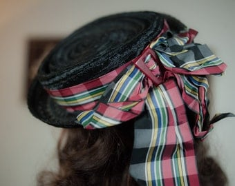 Vintage 1940s Tilt Hat - Jaunty Black Raffia 40s Toy Tilt Topper with Crisp Plaid Taffeta Bow
