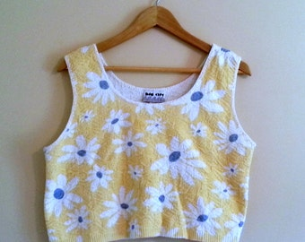 245 - Vintage 80s Yellow Daisies Crop Top - Size L