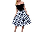 Miss Jessica goes Vintage ~ circle skirt with pockets ~ full and sweeping with or without a Petticoat